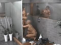 Flagra De Sexo Em Big Brother da Croácia com Loira Muito Gostosa e Safada