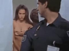Prisioneira Gostosa Violentada Por Policiais Corruptos – Sexo Brutal