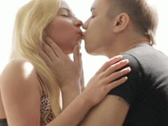 Thaisa fazendo seu primeiro filme porno com seu amigo safadão