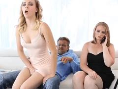 Pai, Mãe e Filha Fazendo Porno Caseiro com Muito Sexo em Cenas de Incesto Extremo – Cena 1