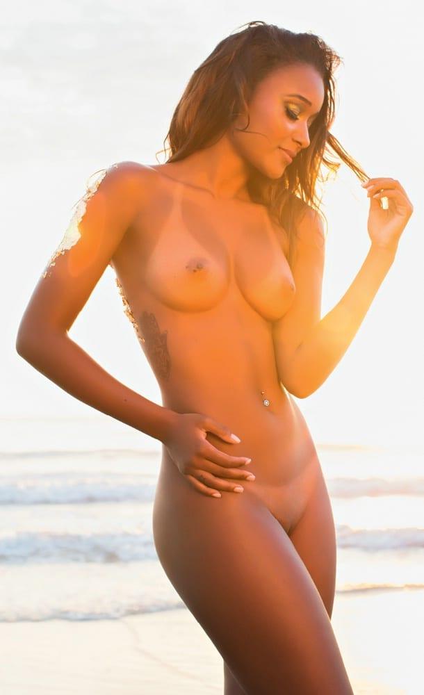 Revista Playboy Fevereiro Aline Prado A E Globeleza