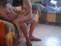 Video Amador de Incesto Caseiro de Tio Coroa Comendo Gostoso Sua Sobrinha de 18 Aninhos