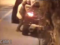 Escândalo – Flagra Real de Viviane Araujo Dando na Rua Para Ricardo Guimarães Dono da BMG