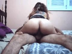 Ela Se Vingou Bem Gostoso Dando Para o Irmão Para o Namorado Fez Porno Caseiro