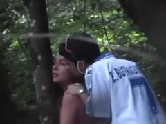 Flagra Amador Real Brasileiro de Ninfeta Muito Gostosa Dando Para Namorado no Bosque
