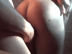 Moreninha Empregada da Casa da Mãe Me Deu Gostoso e Eu Fiz Esse Porno Amador  – GO