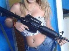 Vazou no WhatsApp Fotos Amadoras de Loira Cavala e Vagabunda do C. V. – RJ
