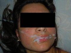 Contribuição Caseira Nacional – Fotos Amadoras de Casal 28 Com Esposa Tomando Leite na Boca