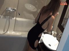 Caiu na Net Video Amador Dessa Namorada Ninfeta e Super Gostosa Dando no Banheiro
