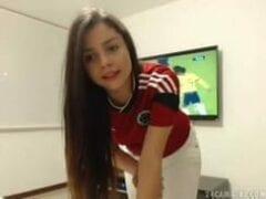 Video Amador de Ninfetinha de 18 Aninhos Pelada Na Hora Que A Colômbia Está Jogando