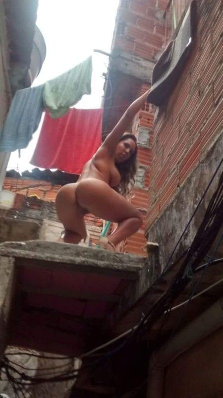 mulher melao favela