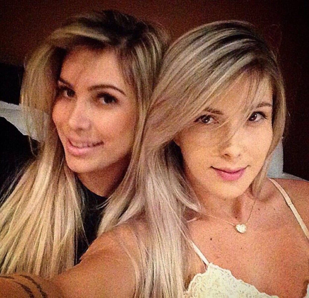 Porno lesbicas loiras day daughter