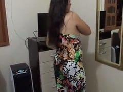Ninfeta Gatinha de Niterói – RJ Grava Vídeo Caseiro se Exibindo Peladinha e se Masturbando, Envia Para Seu Namorado e Cai na Net