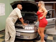 Brasileira Cavala Seduz Mecânico Casado