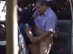 Flagra Amador Real de Gordinho Tarado Fodendo Com Prostituta Fora do Carro do Lado de Uma Avenida em São Paulo – SP