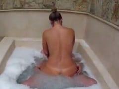 Namorada Magrinha Entra na Piroca do Sortudo de Quatro no Banheiro e Tarado Grava um Pornô Caseiro Dessa Foda Sensacional – RJ
