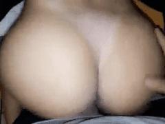 Ninfeta Vai Pro Motel Com Seu Jovem Namorado e Grava um Pornô Amador Trepando de Quatro e Exibindo Seu Corpo Excitante – Caiu na Net