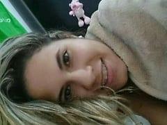 Fernanda de Jacarepaguá – RJ Caiu na Net Após Enviar Fotos Íntimas Pro Seu Ex Mostrando Sua Xota Greluda e Seus Peitões