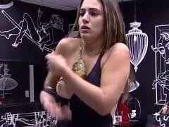 02 00  Novo  0   Vivian Amorim Gostosa do Big Brother Brasil 17 Pagou Peitinho Enquanto Trocava de Roupa no Quarto - http://www.pornocarioca.com
