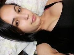 Roberta Silveira Novinha de 18 anos de Porto Alegre – RS Registrou um Nudes Exibindo Seus Peitos Grandes e Vazou na Net