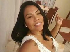 Laise Soares de Salvador – BA Caiu na Net Exibindo Seu Corpinho Delicioso Totalmente nu em Vídeo Caseiro Que Ela Enviou Pro Ficante