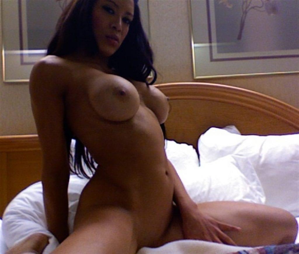 Melina Perez nackt, Oben ohne Bilder, Playboy Fotos,