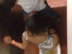 Raquel de Londrina – PR é Flagrada Trepando no Banheiro de Uma Festa Com um Desconhecido e Vídeo é Jogado na Web – Caiu na Net