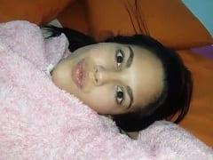 Natália Ninfetinha Safada Deixou Seu Namorado Gravar um Vídeo Exibindo Ela Peladinha Mas Acabou Parando na Net – Xvídeos