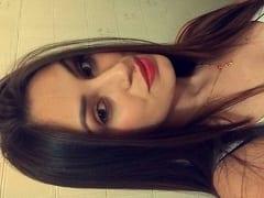 Letícia Rangel Ninfeta Top de Itajubá – MG Tirou Fotos Peladinha em Frente ao Espelho do Quarto e Acabou Parando na Net