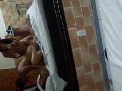 Casais Liberais do Rio de Janeiro – RJ Fizeram um Swing Amador no Motel Com Direito a Orgia e Uma Das Esposas Filmou Tudo – Amadores