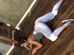 Gracyanne Barbosa Ex-dançarina e Modelo Fitness Apareceu em Vídeo Fazendo Uma Aula Sensual na Academia Onde Quicava Com a Xota no Chão – Caiu na Net