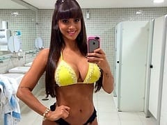 Carol Dias Panicat Muito Gostosa Pagou Peitinho ao Vivo de Propósito e Fez a Alegria Dos Telespectadores – Caiu na Net