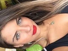 Beatriz Aguiar Modelo Ninfeta de Brasília – DF Gravou um Vídeo Caseiro Levando Pirocada e Pedindo Pro Cara Gozar na Boca Dela – Caiu na Net