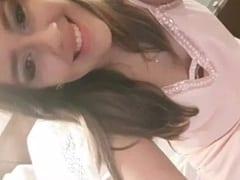 Liliane Ninfeta Espetacular de São Paulo – SP Gravou um Vídeo Caseiro Masturbando Sua Bucetinha Bonita Mas Parou na Web – Amadora