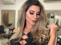 """Ana Paula Minerato Modelo Muito Gostosa e Musa da Escola de Samba Gaviões da Fiel Pagou Peitinho no Programa """"A Fazenda"""" e Pouco se Importou"""