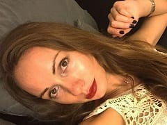 Cenas Fortes: Natalia Borodina Turista de 35 anos Morre ao Fazer Strip Pra Sua Namorada Dentro do Carro, Pois Colocou a Cabeça Pra Fora e Bateu em Uma Placa