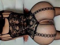Espetáculo de Esposa Colocou Uma Lingerie Bem Sexy Pra Foder e Deixou Seu Parceiro Gravar um Vídeo Mostrando Seu Bucetão e Sua Rabeta – Amadora