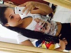 Ana Carolina Ninfetinha Muito Gatinha Ficou Toda Empinada de Quatro e Seu Namorado Tarado Meteu a Rola Nela Com Força – RJ