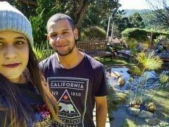 Vitória Amadora de São Gonçalo – RJ Tirou Fotos Pelada Mostrando Seus Peitos, Sua Rabeta e Fazendo Uma Putaria Com Seu Namorado