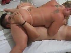 Fabrícia Casada Rabuda de Cabelo Curto Fez um 69 Espetacular Com o Amante e Corno Manso Gravou um Pornozão Dessa Putaria Com Sua Vadia – Caiu na Net