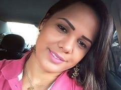 Leandra Amadora Safadona de Queimados – RJ Tirou Fotos Dos Peitões no Banheiro de Casa, Mandou Pro Noivo Mas Parou na Net