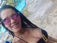 Kally Dusbeck Morena Gostosíssima de Porto Alegre – RS Que Trabalha Como Acompanhante de Luxo Gravou Mais um Vídeo se Masturbando e Enfiando o Dedo no cu