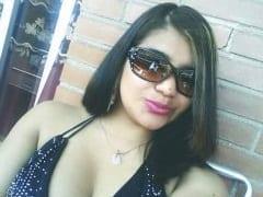 Carla Martins Esposa de Resende – RJ Que Adora Uma Putaria Ficou Liberando Pro Amante Negão Enquanto Chupava Seu Marido Corno