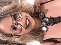 Catia Carvalho Loira Paulista Muito Cachorra Que é Uma CamStar Que já Foi Atriz Pornô, Gravou um Vídeo Amador Sensualizando no Banheiro – Caiu na Net