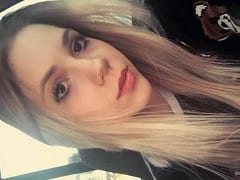 Samilly Favaretto Novinha Loira Muito Gata de Cuiabá – MT Tirou Fotos Dos Peitinhos, da Xereca e do cu Pra Mandar Pro Seu Jovem Ficante Por WhatsApp