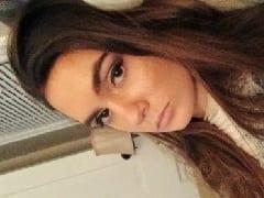 Alisha Streamer do Twitch Que Também é Uma Modelo de 22 Aninhos Gravou um Vídeo Caseiro Dando Uma Mamada no Namorado
