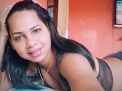 Thaís Morena Novinha de Porto Velho – RO Tirou Fotos Picantes Dos Peitinhos e da Sua Rabeta Empinada Pra Mandar Pro Seu Namoradinho