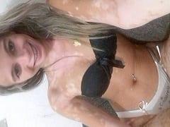 Esposa Loira Magrinha Da Bunda Redonda Que Fode Pra Caralho Pediu Pro Seu Marido Chamar Dois Amigos Pra Fuder Com Ela Enquanto Ele Filmava O Swing Amador