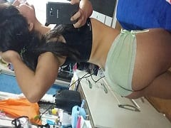 Amanda Muito Safada Tira Varias Fotos Provocantes Do Seu Corpo Bem Sexy E Manda Pro Namorado, Mas Caiu Na Net