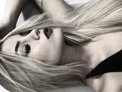 A Gostosa Pamela Jay Gravou Mais Um Video Amador Dela Exibindo Seu Corpo Sensual E Se Masturbando Gemendo Muito
